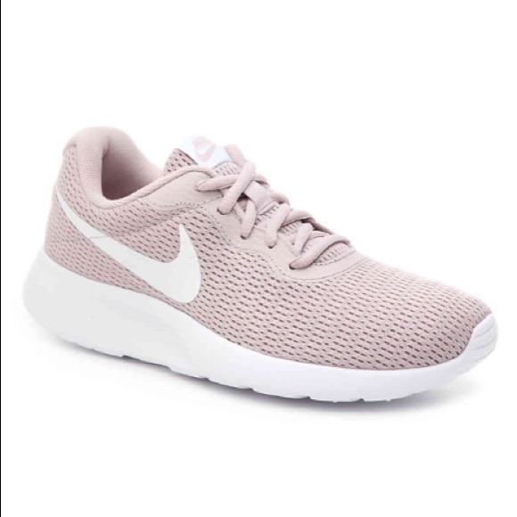3a24a9708602 Nike Tanjun Rose Pink Nude Sneakers Running Shoes.  M 5bf1ea40c61777439a1a8048